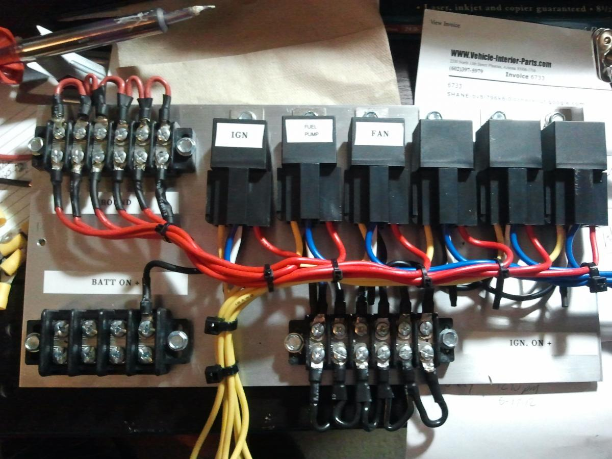 post 14235 0 05300500 1339301920 how to wire a switch panel with relays car electrical 12v switch panel wiring diagram at panicattacktreatment.co