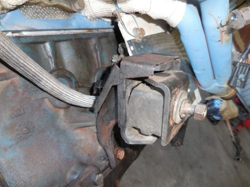 T 4K mount rubber split.jpg