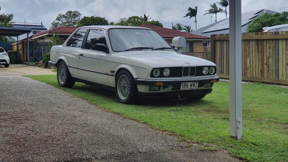 e30 touch up paint 2.jpg